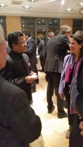 Frau Dr. Müller-Leisgang gratuliert Herr Sevala Naik Generalconsul von Indien in München zum indischen Unabhängigkeitstag am 26.1.2016